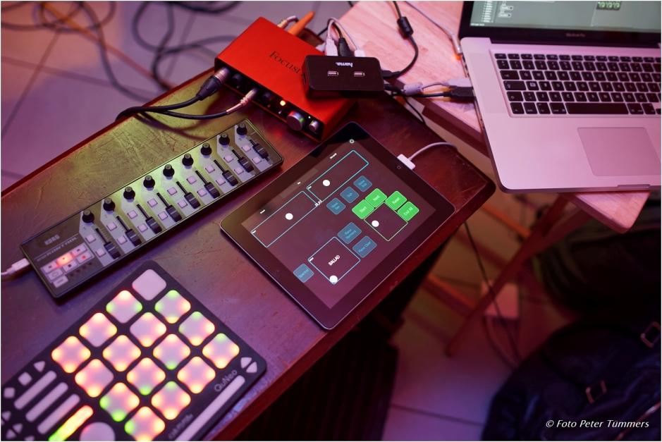 Korhan Erel, Omnibus computer instrument, photo by Peter Tümmers